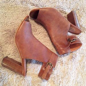 Jeffrey Campbell Shoes - Jeffrey Campbell Ibiza Tan Leather Heel - 8