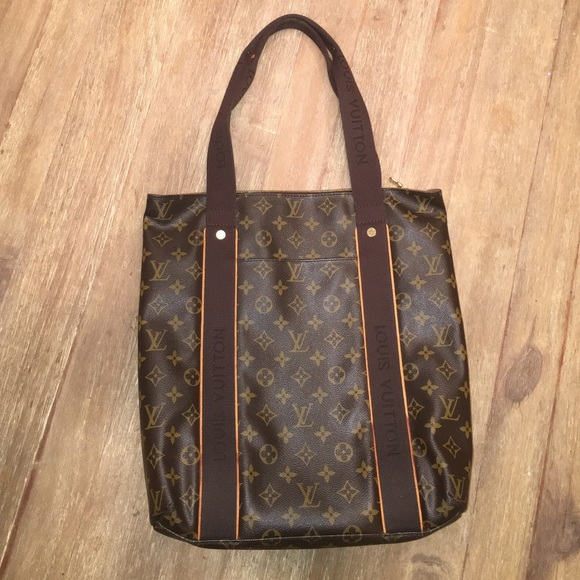 Louis Vuitton Handbags - Louis Vuitton Beaubourg Monogram Tote 13d62517d3