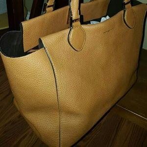 Michael Kors Handbags - Michael Kors Miranda Tote