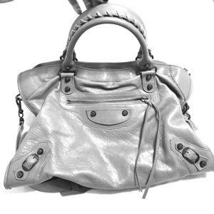 Balenciaga Handbags - Balenciaga Classic City Handbag 💫