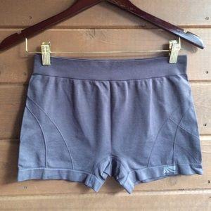 Marika Pants - Marika Yoga shorts