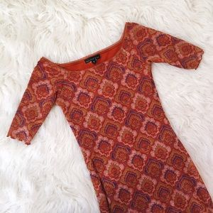 Dresses & Skirts - Orange Paisley Midi Dress