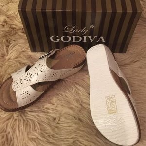 7b2e054530a4 Lady Godiva Shoes - NIB LADY GODIVA Women s Comfort Wedge Sandal