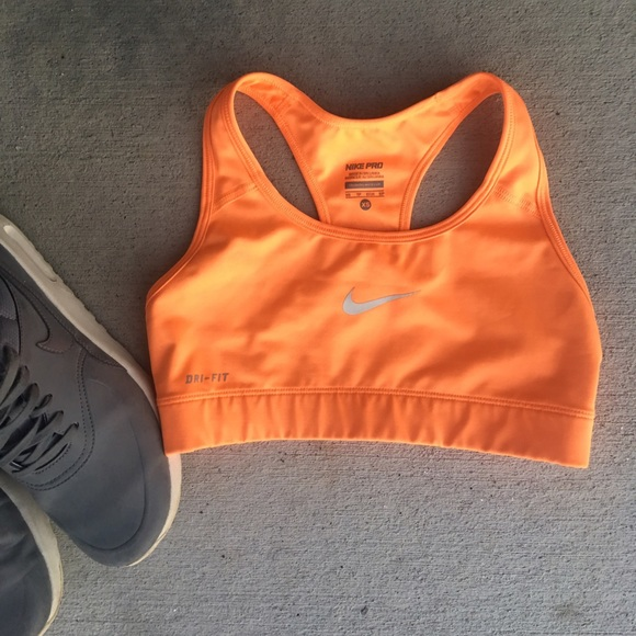 3a52e98d20 Nike neon orange sports bra. M 5882a9ed9c6fcfa13a07c588