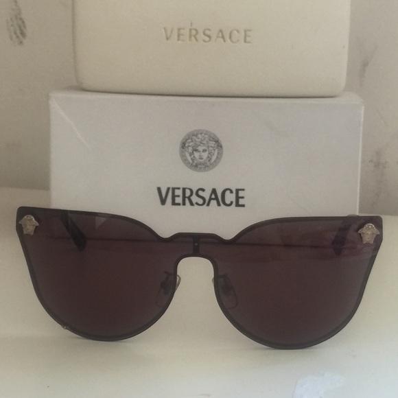 af72ecced2 versace 2120 sunglasses. M 5882aebbc28456ca8307d5c6