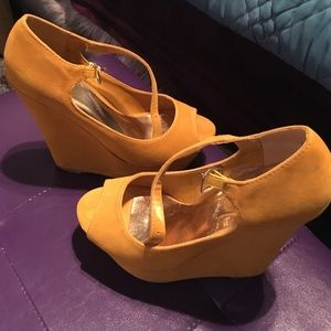 Mustard faux suede wedge