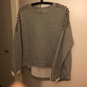 Sweaters - Oversize Grey Sweater with shoulder details