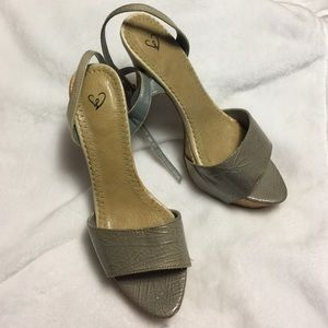 Shoes - Used heels.