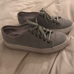 Del Toro Shoes - Deltoro suede sneakers