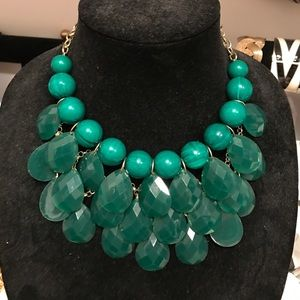 Jewelry - Emerald necklace