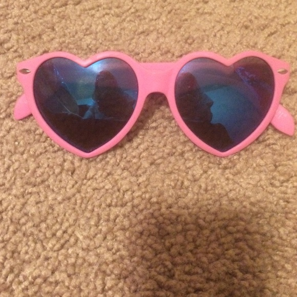968d3df00cfa1 Heart shaped sunglasses. M 5882e8042599fe3674034539