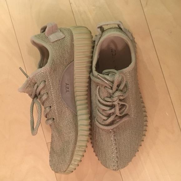 Adidas zapatos Yeezy impulsar tan poshmark 350 segunda mano