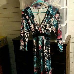 Three Seasons Maternity Dresses & Skirts - Three Seasons Maternity dress