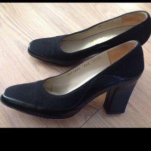 Ferragamo Shoes - 👜💄Ferragamo Black Suede Heels Sz 5.5 Narrow 💄👜