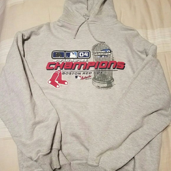sale retailer de053 481e7 Boston Red Sox 2004 World Series hooded sweatshirt