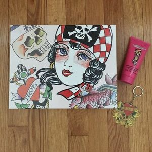 Ed Hardy Accessories - Ed Hardy Keychain And Lotion Set