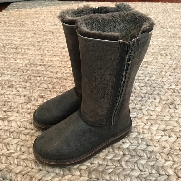 Emu Ashby brown boots like new