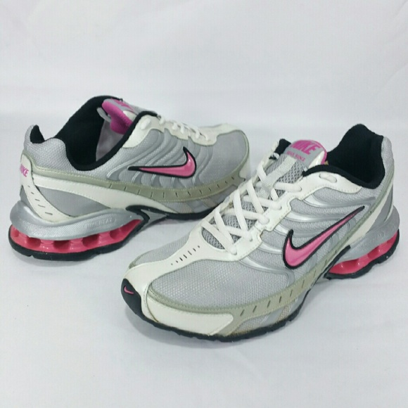 Women's Nike Reax Run 5 Sz 7.5 Pink/Silver Shoes
