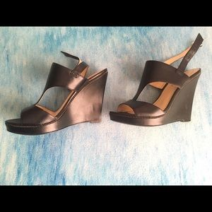 Guess black wedges size 8