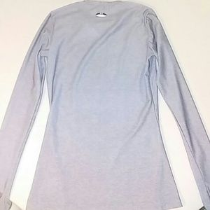 Under Armour Tops - Under Armour Womens M Gray V Neck Long Slv Shirt