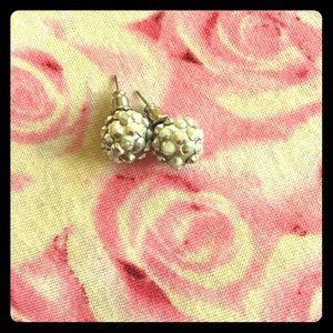 ADMU Jewelry - Earnings
