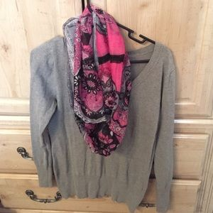 Rue 21 gray sweater includes scarf