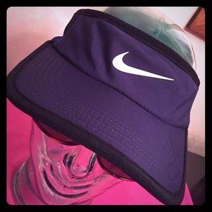 Nike Accessories - 🎉HP 4/11🎉 Nike Adult Unisex Visor