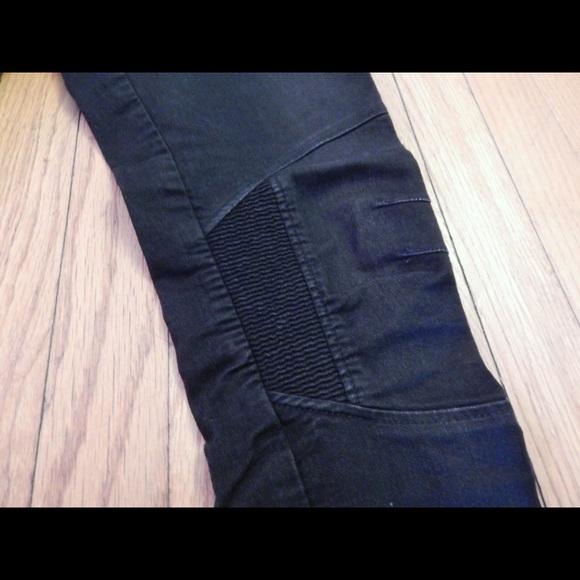 H&M Jeans - H&M Black Moto Skinny Jeans Sz 6