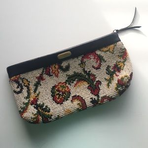 Vintage Handbags - Vintage Tapestry Clutch