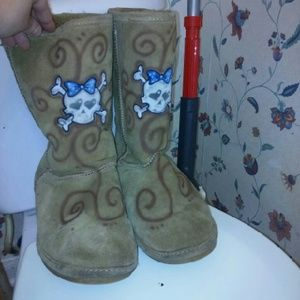 BearPaw Shoes - 🎈Sale  Bearpaw Skull Boots