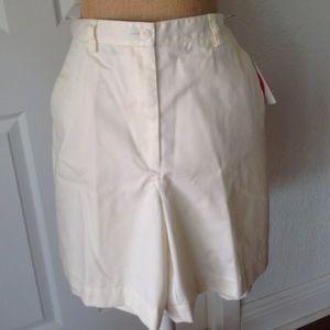 10 Crosby Derek Lam Pants - Liz Claiborne size 12 Off White Bermuda Shorts