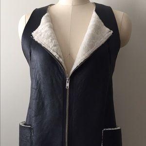 Hache Jackets & Blazers - HACHE black shearling vest Size 40/6