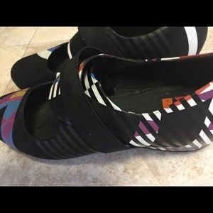 Camper Shoes - Campers C. NEEON Shoes