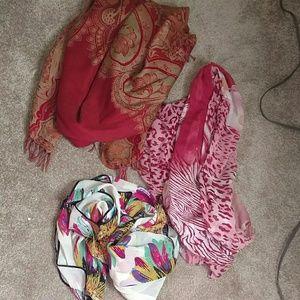 Accessories - Wrap/shawl bundle