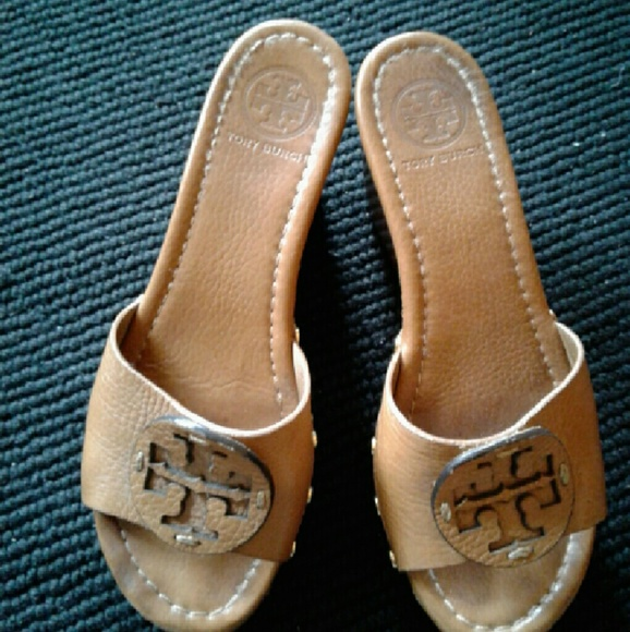 7bb6f38d6dc613 Tory Burch wedge leather shoes FLASH SALE. M 5883b8f69818294f1c01368c