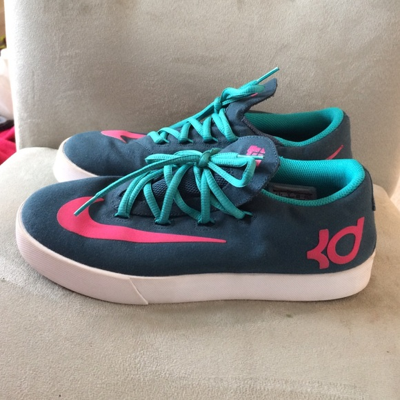 nike shoes youth 6.5 846346