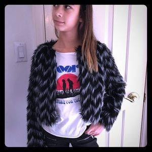 ruby & bloom Other - Girls Black and white fuzzy jacket