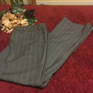 Daisy Fuentes Pants - 🌼🌼 Closet clear out 🌼🌼 Casual  pants