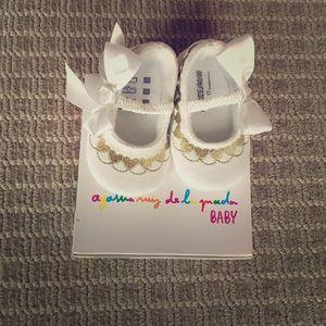 Agatha Ruiz De La Prada Other - Agatha Ruiz de la Prada Baby white velvet shoes