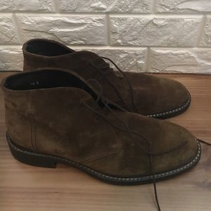 Banana Republic Other - Suede Chukka boots