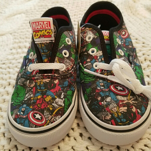 Toddler Marvel Comics shoes NWT