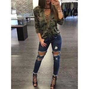 Tops - CAMOFLAGE LACE-UP TOP
