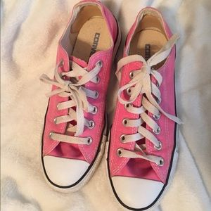 Pink Converse Chuck Taylor's