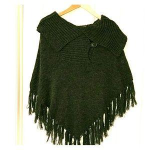 Belle Du Jour Sweaters - 🎉sale🎉NWOT poncho