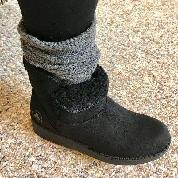 7f3ce4635eb Black winter boots - Ugg style NWT