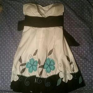 Snap Dresses & Skirts - Strapless Dress
