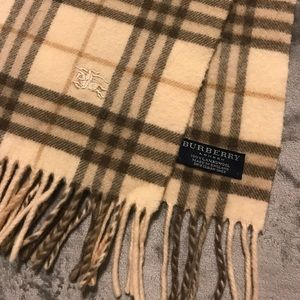 Burberry Accessories - Burberry Retired Classic Nova Tan Scarf
