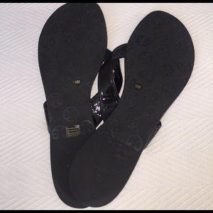 be4dce24a63e7b Tory Burch Shoes - LIKE NEW Tory Burch flip flops