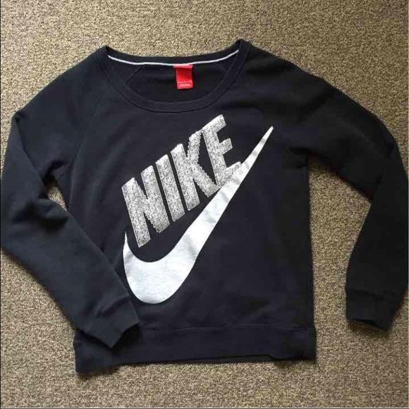 bf88670e67c2 Nike sequin sweatshirt. M 58840df52ba50a58a5028069