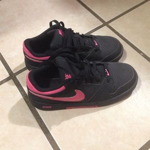 Nike Other - Nike sneakers- fits kids size 4.5 and women size 6